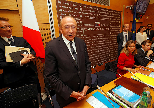 Fransa İçişleri Bakanı Gerard Collomb, Cumhurbaşkanı Macron'un koruması Benalla'nın göstericileri dövmesi skandalıyla ilgili 2 saat boyunca parlamentoda milletvekillerinin sorularını yanıtladı.