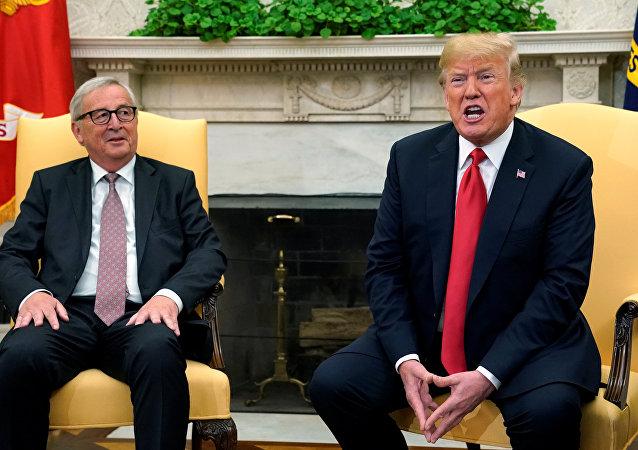 Donald Trump, 25 Temmuz 2018'de Beyaz Saray'da Jean-Claude Juncker'i ağırladı.