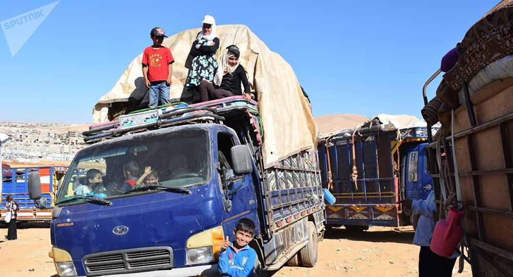 Lübnan'daki 850 Suriyeli mülteci daha evlerine geri döndü