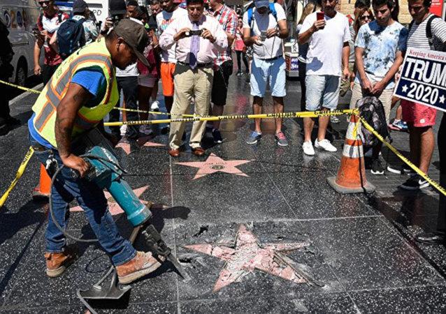 Trump'ın Şöhretler Kaldırımı'ndaki yıldızına saldırı