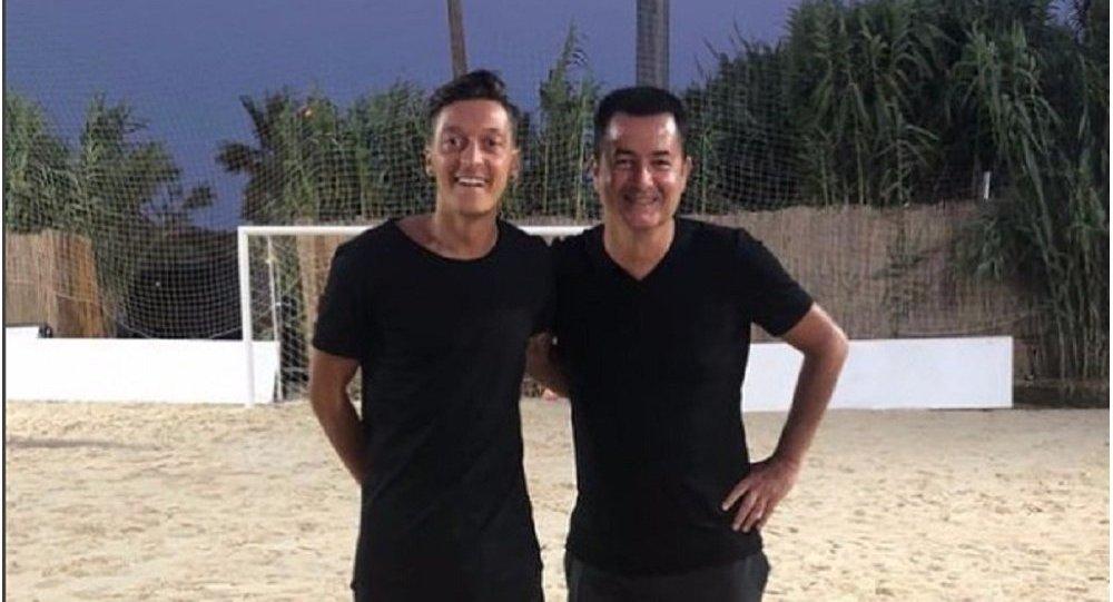 Acun Ilıcalı, Mesut Özil