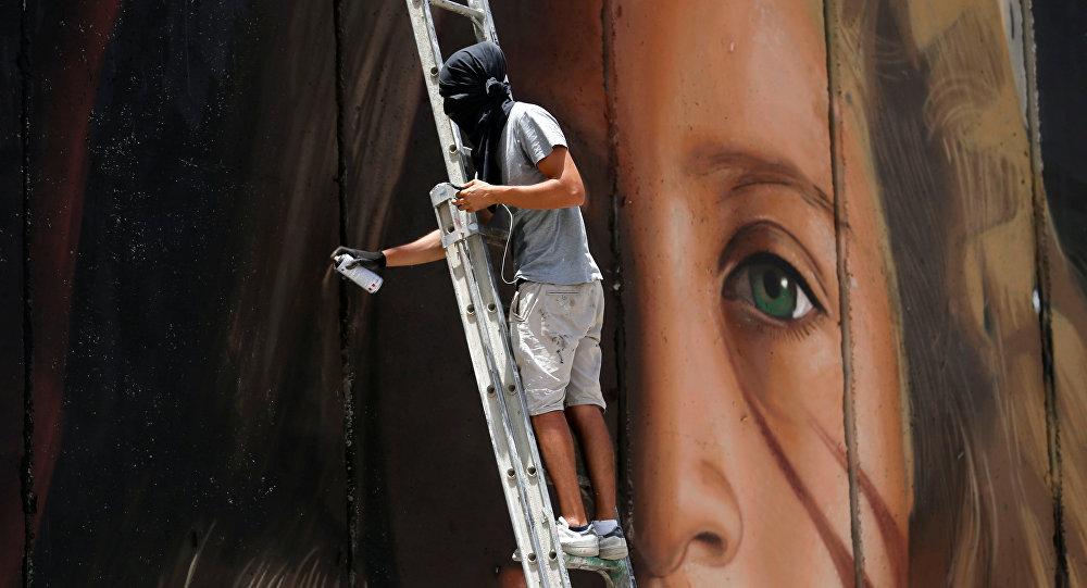İsrail'den İtalyan sanatçılara ırkçı saldırı