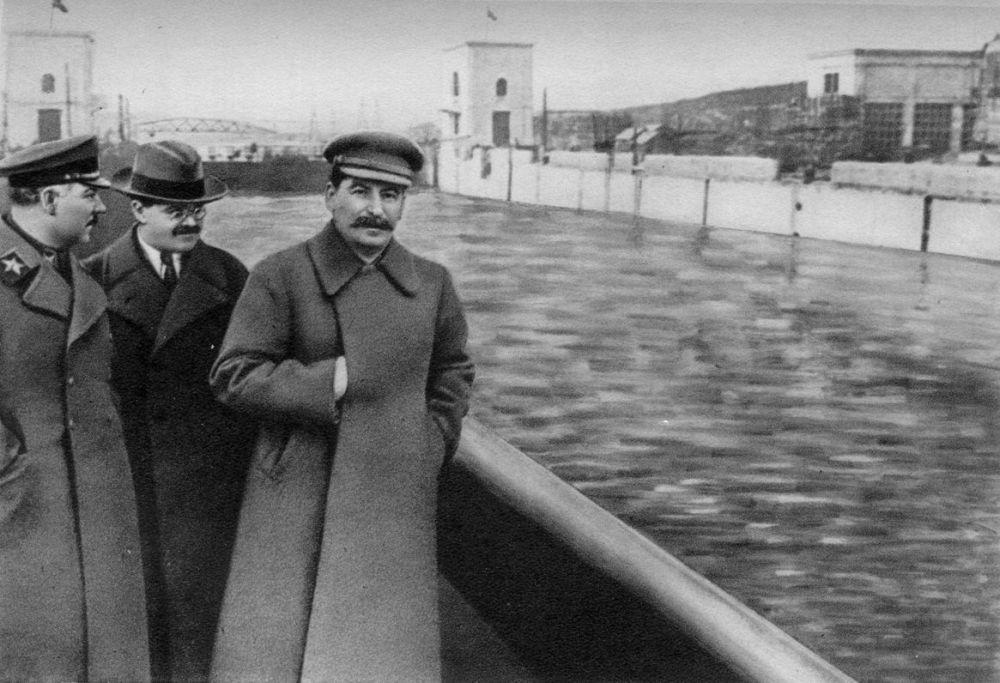 SSCB tarzı photoshop: Sovyet liderlerin sansürcüler tarafından değiştirilen fotoğrafları 91