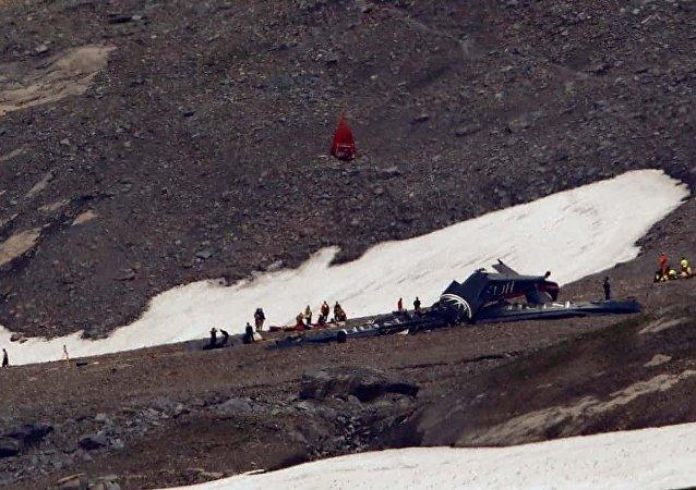 İsviçre'de uçak kazası: 20 kişi hayatını kaybetti
