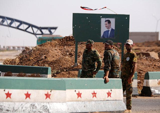 Ürdün-Suriye sınırında nöbet tutan Suriye askerleri