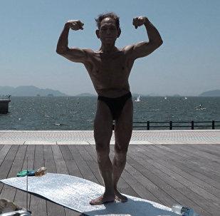 82 yaşındaki Japon vucut geliştiricisi yıllara meydan okuyor