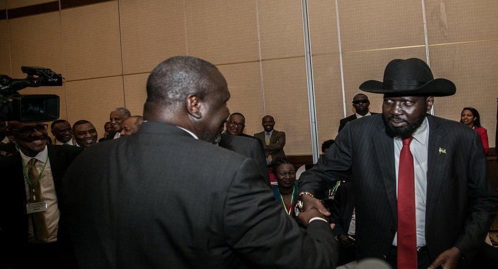 Güney Sudan Devlet Başkanı Salva Kiir Mayardit ile uhalif lider Riek Machar