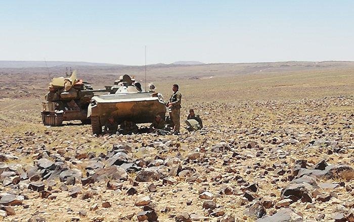 Suriye ordusu Süveyde çölünde teröristlerle savaşiyor