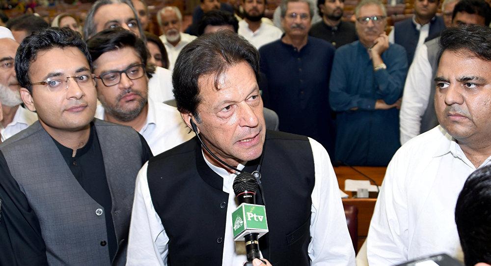 Pakistan'da başbakan seçilen İmran Han