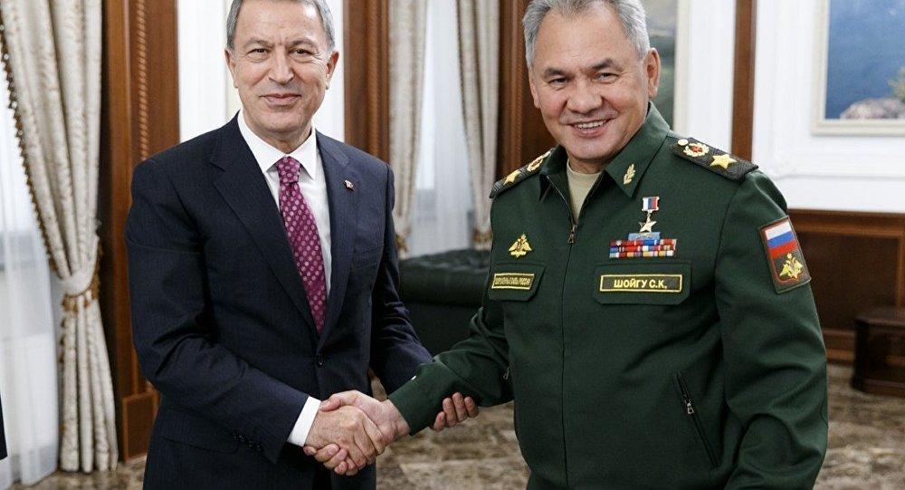 Milli Savunma Bakanı Hulusi Akar ve Rusya Savunma Bakanı Sergey Şoygu