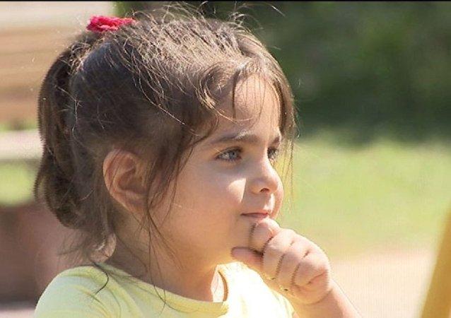 3 yaşındaki engelli çocuğun işitme cihazını çaldılar
