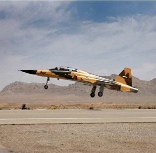İran'ın ilk yüzde 100 yerli savaş uçağı Kevser (Koser)