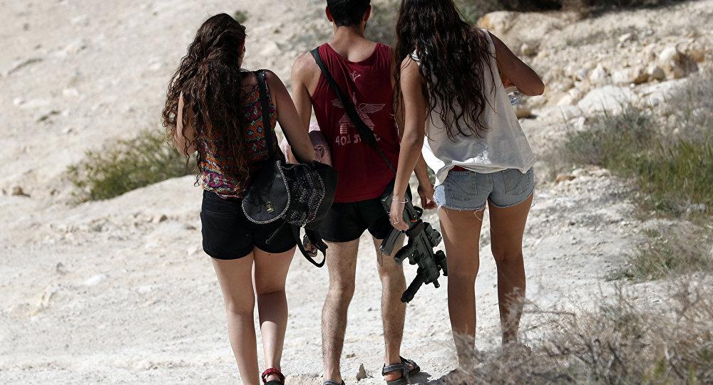 İsrail tüm vatandaşlarını silahlandıracak