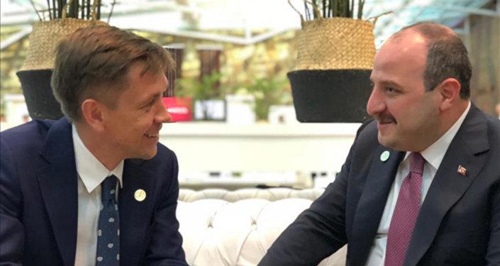 Varank, Rusya Dijital Kalkınma, Haberleşme ve Kitle İletişim Bakanı Konstantin Noskov ile görüştü