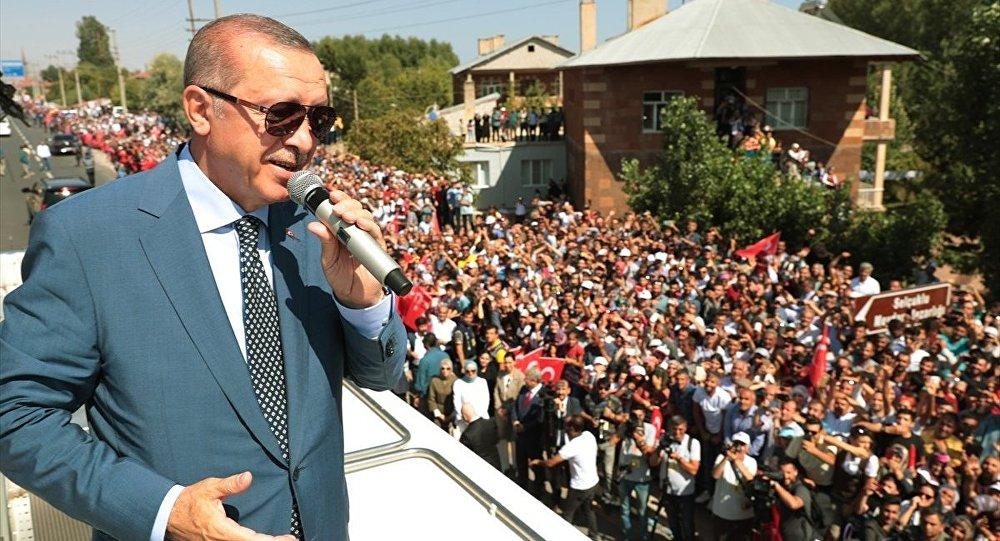 Cumhurbaşkanı Erdoğan-Ahlat