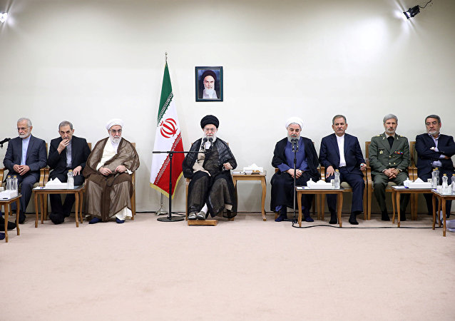 Ayettullah Ali Hamaney-Cumhurbaşkanı Hasan Ruhani ve kabinesi