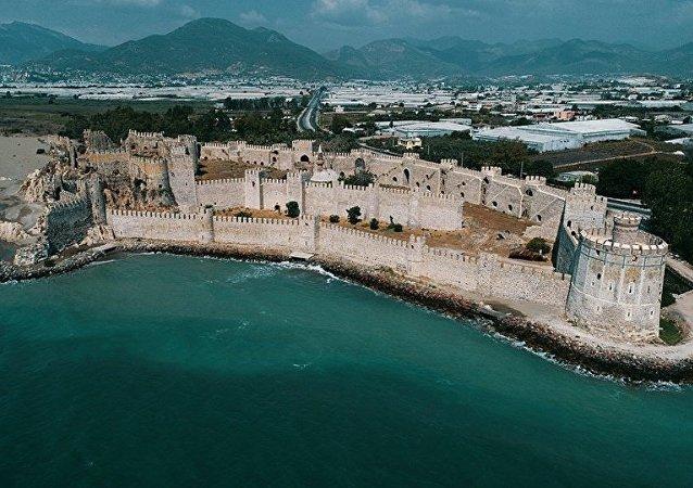 Akdeniz'in binlerce yıllık tanığı: Mamure Kalesi