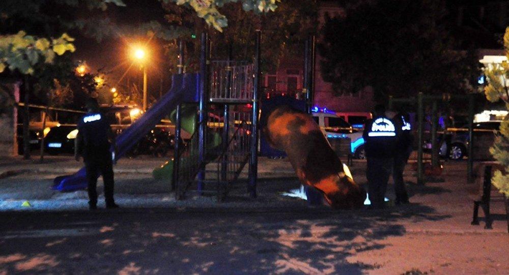 Çocuk parkına ateş açıldı