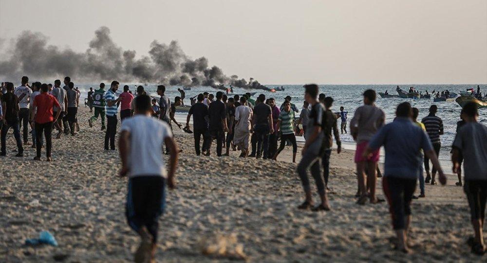 Gazze ablukasını kırmak maksadıyla 50 tekne ile Gazze Şeridi'nin kuzeyindeki Beyt Lahya sahilinden denize açılan Filistinli eylemcilere, İsrail Deniz Kuvvetleri müdahale etti.