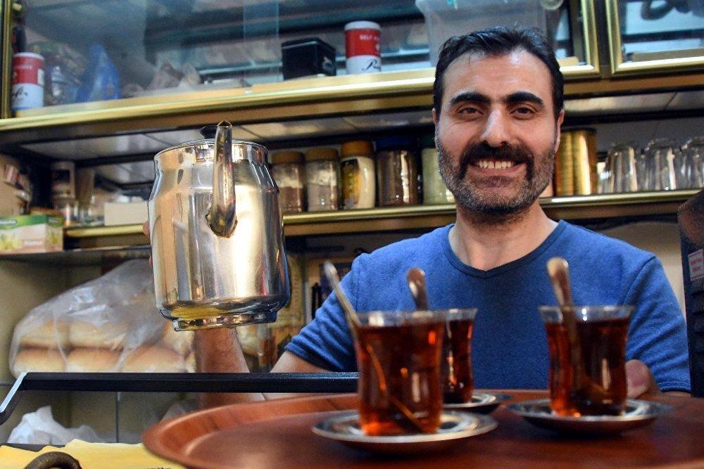 25 yıldır çay ocağı işletiyor ama hiç çay içmiyor