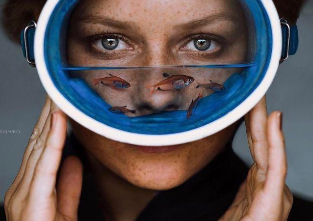 Rus fotoğrafçının resimlerindeki hayal dünyası