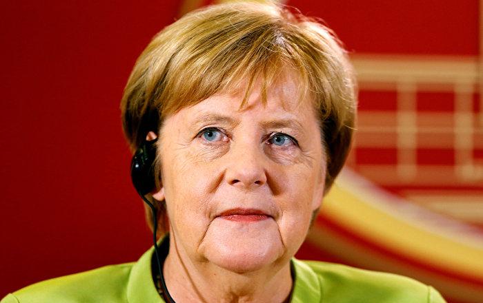 Merkel: Alman ekonomisi sert bir Brexit için iyi hazırlanmış durumda