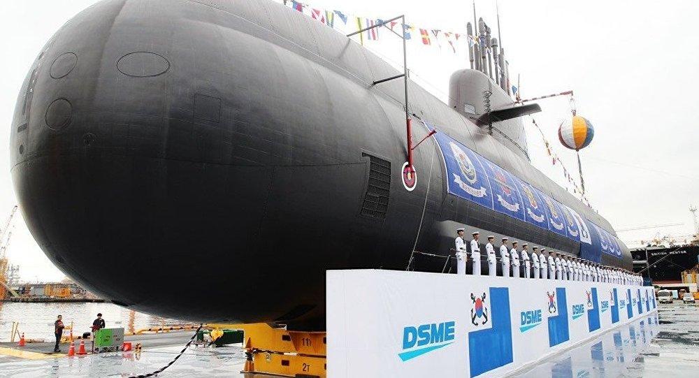 Güney Kore 3 bin tonluk denizaltısını tanıttı