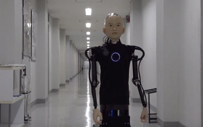 Japonya da küçük bir çocuk görünümüne sahip robot üretildi