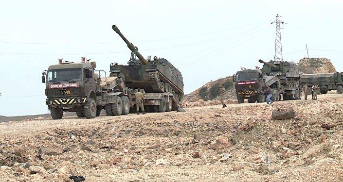 TSK, sınıra askeri sevkiyat yapmaya devam ediyor