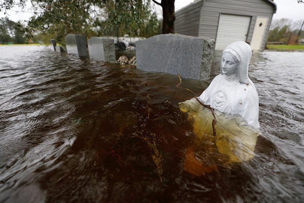 Florence Kasırgası'nda ölenlerin sayısı 17'ye yükseldi
