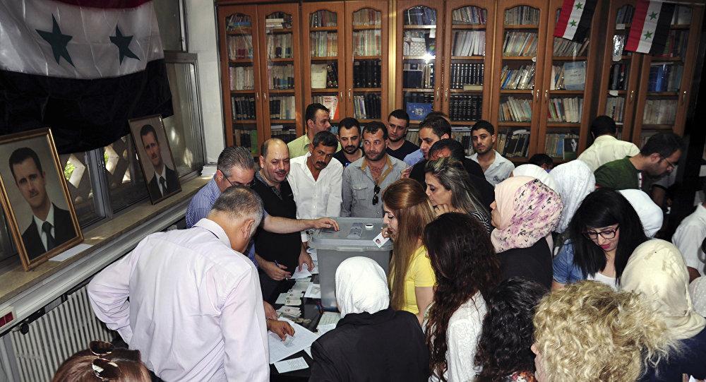 Suriye'de 16 Eylül 2018'de düzenlenen yerel seçimlerde, başkent Şam'ın seçmenleri sandığa yoğun ilgi gösterdi.