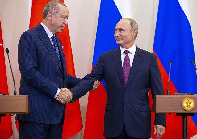 Erdoğan ile Putin, Soçi'de İdlib zirvesinin ardından basın toplantısında