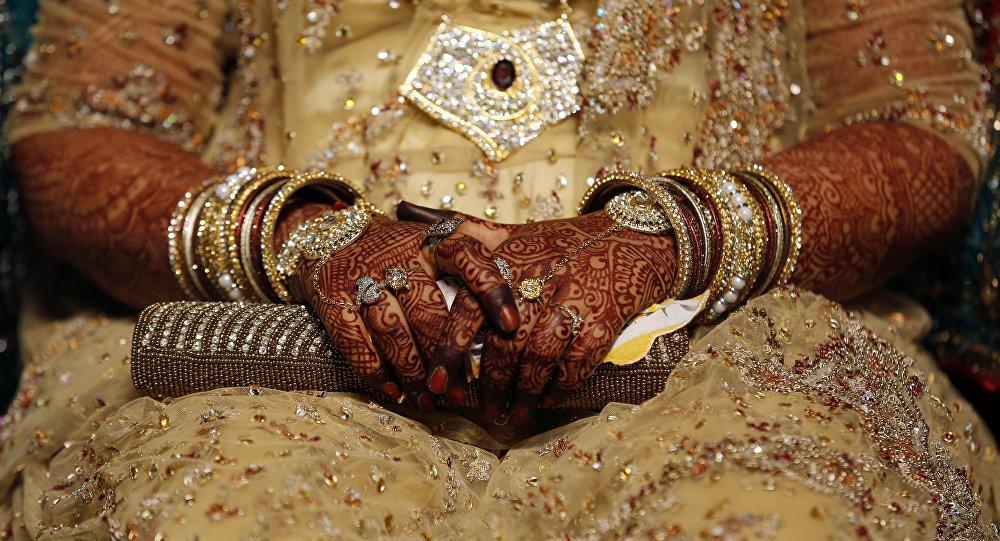 Üç talak ile boşanma yasaklandı