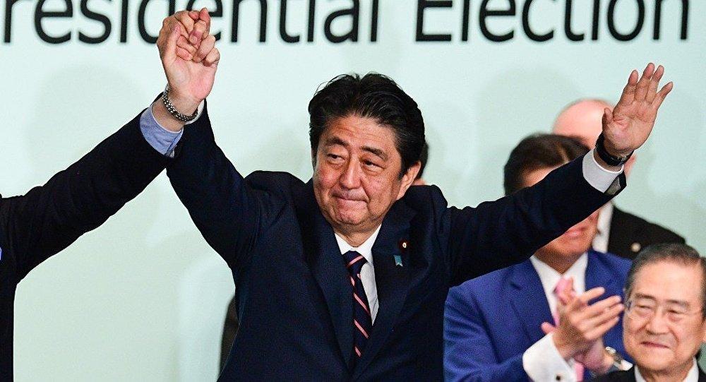 Japonya Başbakanı Abe yeniden partisinin başkanlığına seçildi