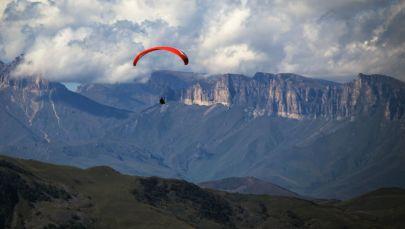 Kuzey Kafkasya'da Rusya Yamaç Paraşütü Şampiyonası