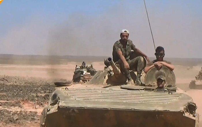 Suriye ordusu, çöle sığınan IŞİD'i son su kaynağından kesti