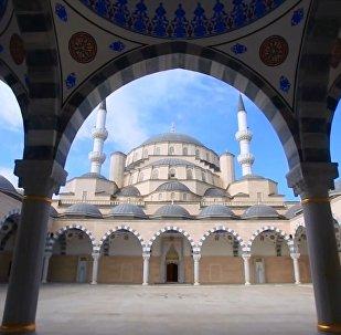 Kırgızistan'ın en büyük camisi