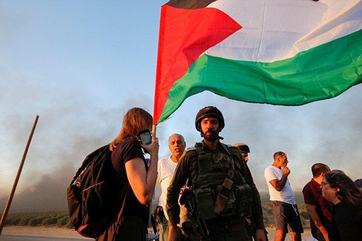 Gazze'ye destek eylemine katılan İsrailli aktivist Neta Golan, Filistin halkının topraklarına geri dönmesinin en doğal hakkı olduğunu söyledi.