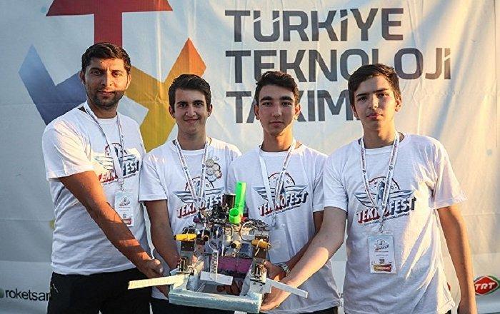 Fatih Sultan Mehmet'ten ilham alıp fetih robotu yaptılar: Robotumuz gemileri denizden alıyor, karadan götürüyor