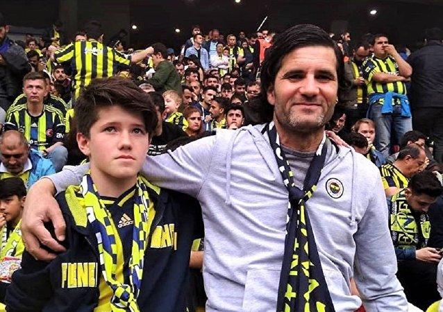 İsmail Devrim oğlu ile birlikte