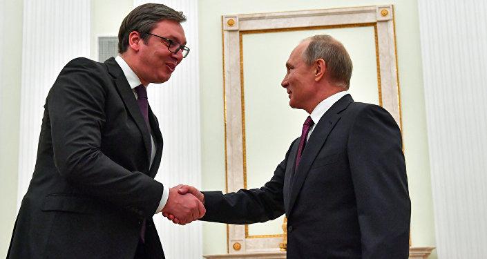 Kremlin'de Vucic-Putin görüşmesi
