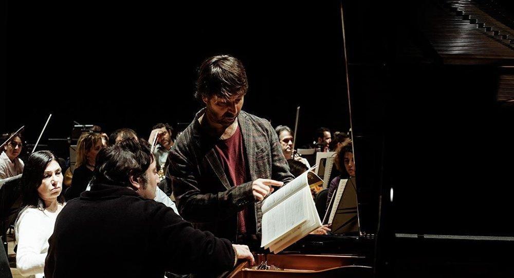 Orkestra Şefi İbrahim Yazıcı - Piyanist Fazıl Say