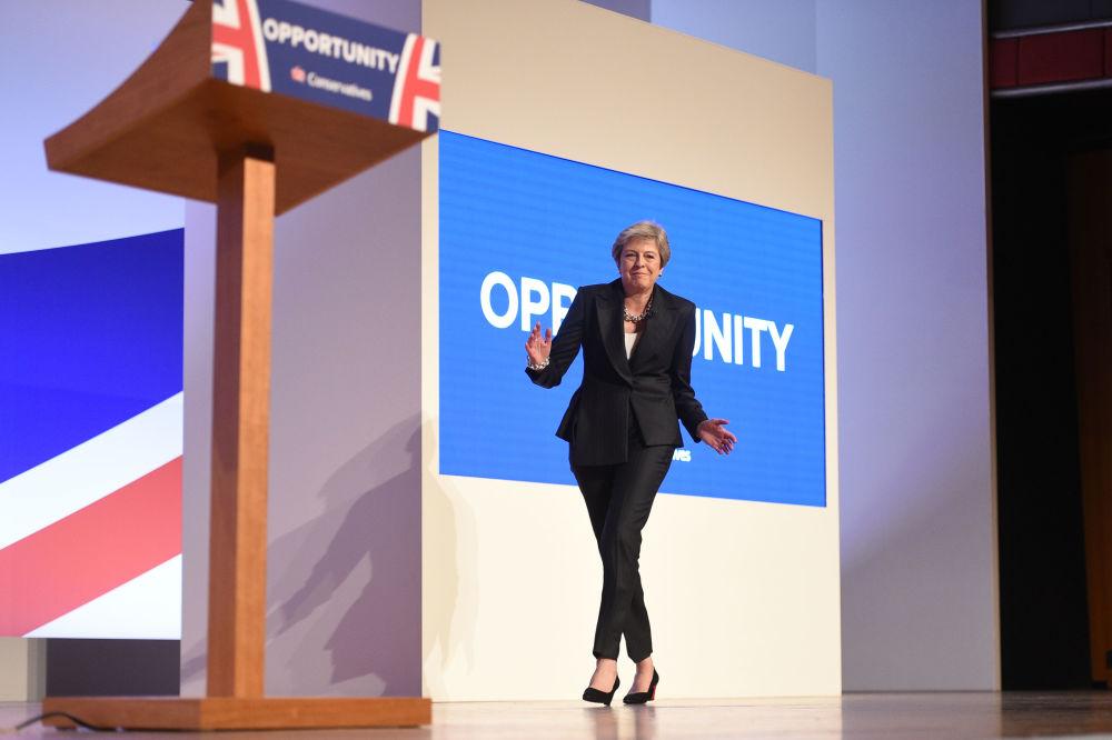 Danslarıyla dikkat çeken siyasetçiler