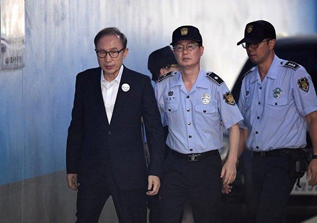 Kuzey Kore lideri Kim, aralıkta Seule gidiyor