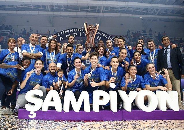 Kadınlarda Cumhurbaşkanlığı Kupası sahibini buldu: Hatay Büyükşehir Belediyespor