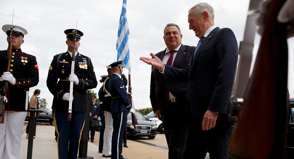 ABD Savunma Bakanı James Mattis- Yunanistan Savunma Pakanı Panagiotis Kammenos