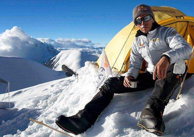 Valery Rozov - Himalaya Record Jump 2016