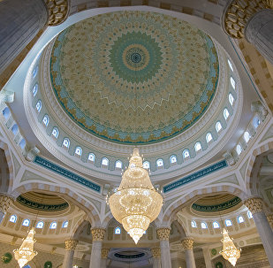 Kazakistan'daki Hazret Sultan Camii