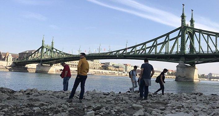 Macaristan'ın başkenti Budapeşte'de Tuna Nehri'nin su seviyesi rekor kırdı