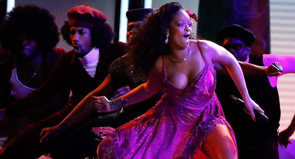 Rihanna 2018 Grammy Ödülleri'nde